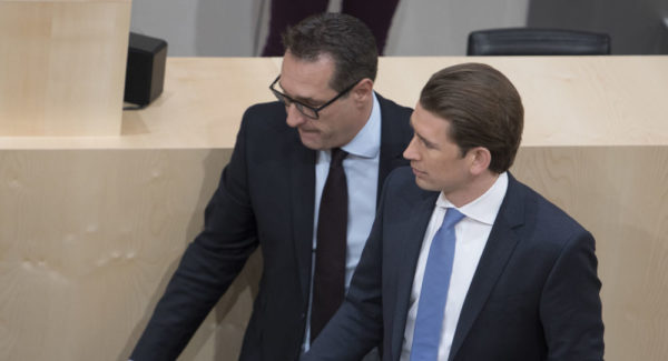 Svi ministri iz Štraheove stranke podneli ostavke