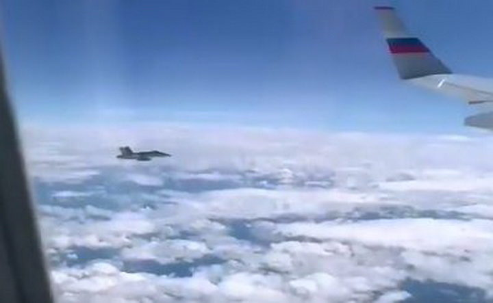 ВОЈНИ АВИОНИ ШВАЈЦАРСКЕ пришли на неколико метара авиону у ком је Песков! РУСИ СВЕ ТО НАЗВАЛИ… (ВИДЕО)
