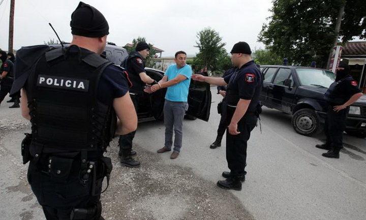 ХАОС – НАРОД У ПАНИЦИ: Албанска полиција упала у Црну Гору и зауставља народ