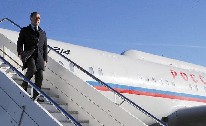 НЕМЦИ ПОДИГЛИ УЗБУНУ: Медведев у Србију доноси важну поруку! МНОГЕ СТВАРИ ЋЕ СЕ ПРОМЕНИТИ
