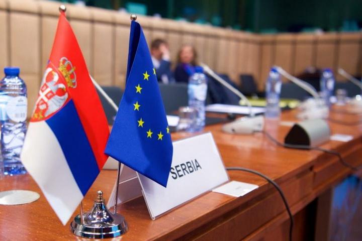 """""""Ако на сто ставимо размену територија између Београда и Приштине, отворићемо ПАНДОРИНУ КУТИЈУ"""""""