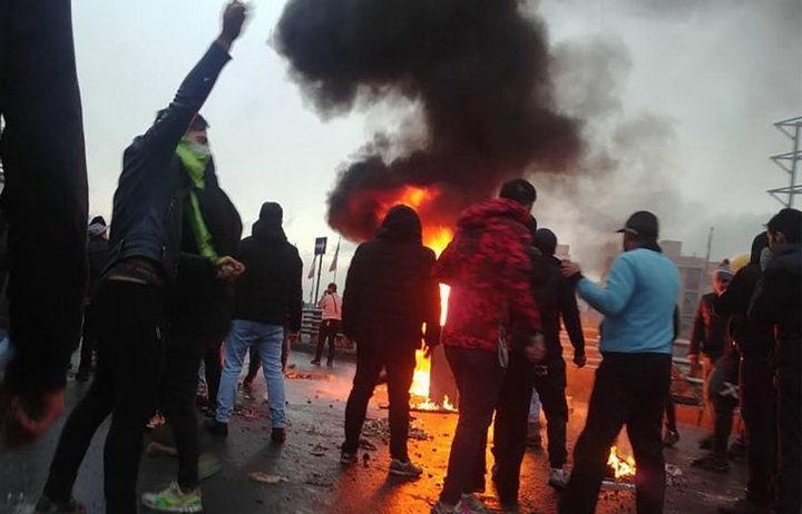 ГОРИ ИРАН: Протести у преко 100 градова (ВИДЕО)
