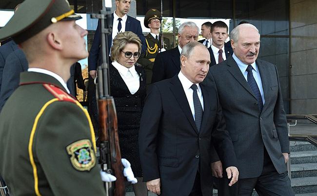 BELORUSIJA I RUSIJA U ČVRSTOJ VEZI: Lukašenko upozorio – Spremni smo…