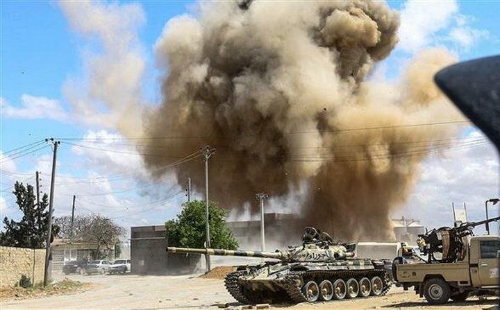 УДАРНА ВЕСТ! Одјекују експлозије у Либији: ХАФТАРОВЕ СНАГЕ на само 10 километара од центра Триполија