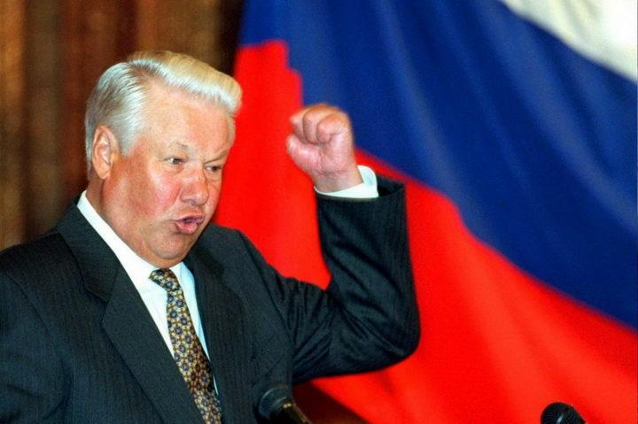 """ЗВАЛИ СУ ГА """"ПИЈАНА БУДАЛА"""", а он је спасио Русију! ЕВО КАКО"""