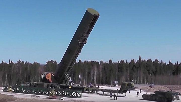 """Нове руске стратешке ракете """"Сармат"""" могу да носе и хиперсоничне бојеве блокове"""