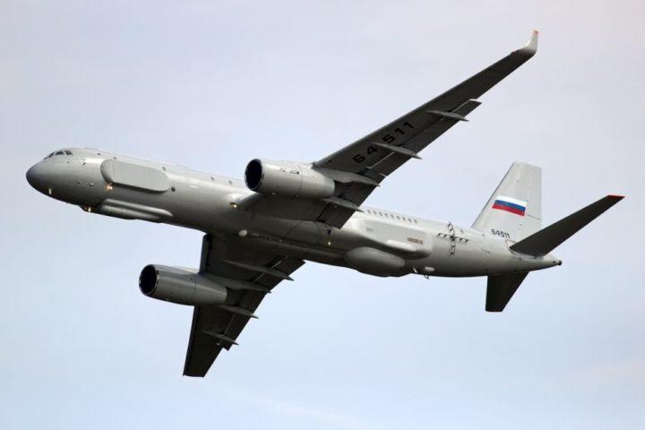 EVROPA DRHTI: Ruski avion Tu-214 iznad Mediterana (VIDEO)