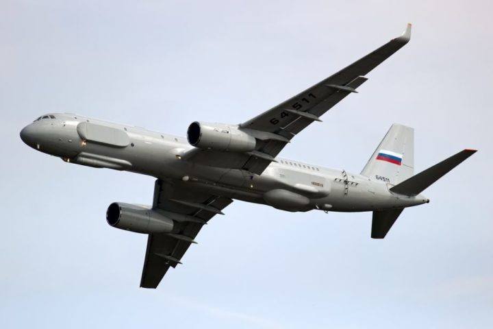 ЕВРОПА ДРХТИ: Руски авион Ту-214 изнад Медитерана (ВИДЕО)