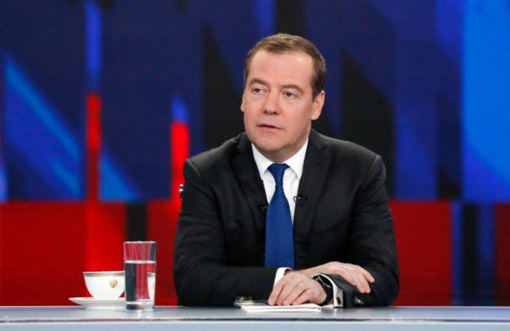 SAMO JEDNA STVAR može zaustaviti širenje korone u svetu, ali POSTOJI PROBLEM: Medvedev objasnio šta opstruira borbu