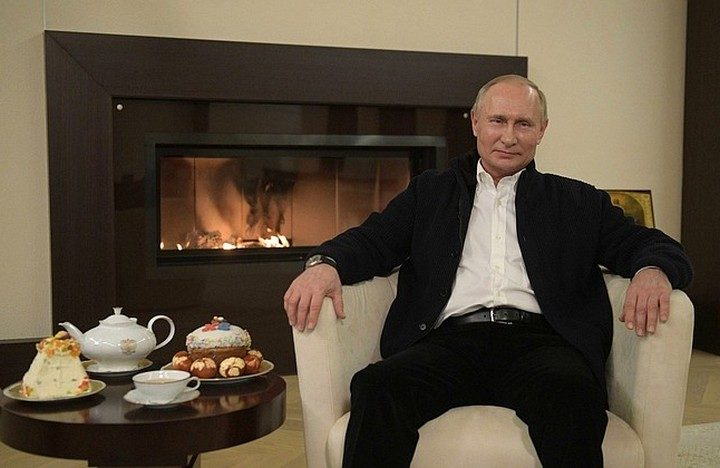 PUTIN MUNJEVITO REAGOVAO! POGLEDAJTE REAKCIJU RUSKOG PREDSEDNIKA kada je primetio nezgodan gest sagovornika… (VIDEO)