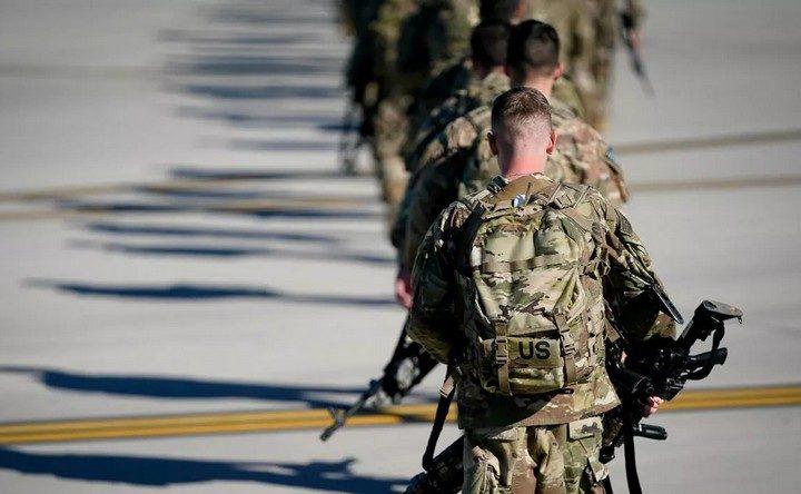 ТРАМП ПОДИГАО ВОЈСКУ: У Вашингтон стиже ЦЕЛА ПАДОБРАНСKА ДИВИЗИЈА наоружана БОЈЕВОМ МУНИЦИЈОМ
