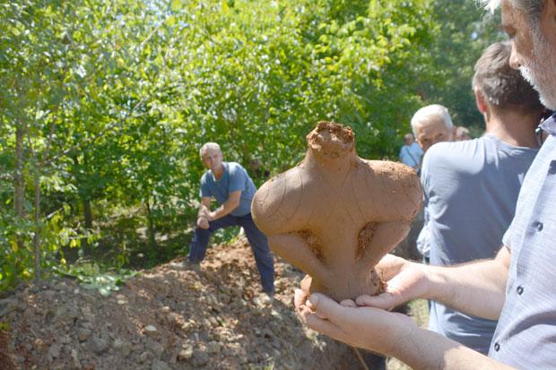VELIKO OTKRIĆE U SRBIJI – SVETSKIH RAZMERA: Arheolozi u zemlji pronašli boginju staru 7.000 godina