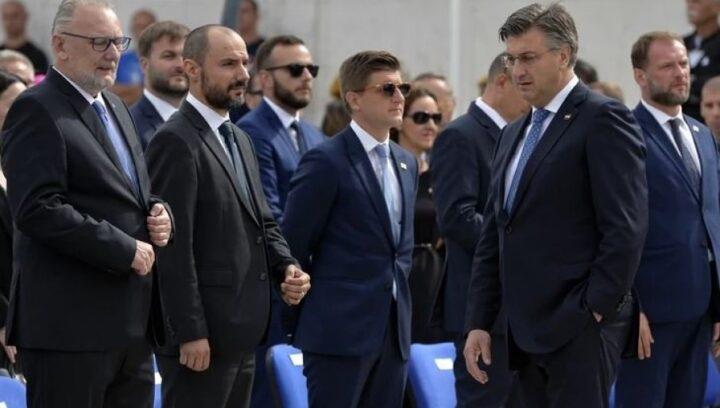 """BORIS MILOŠEVIĆ U PRVOM REDU NA PROSLAVI """"OLUJE"""""""