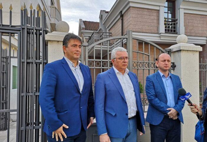 POTPUNO RASULO U CRNOJ GORI: Krivokapić odbio Mandića, Medojevića i Kneževića