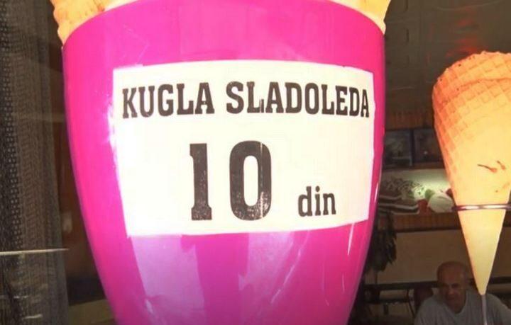 ВЕРОВАЛИ ИЛИ НЕ, куглу сладоледа у Србији можете купити за 10 ДИНАРА (ВИДЕО)