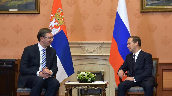 ŠTA JE MOSKVA PORUČILA SRBIMA?! Objavljeni detalji razgovora Vučića i Medvedeva