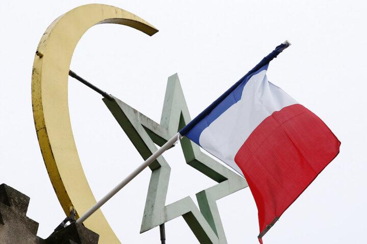 """ФРАНЦУСКИ АМБАСАДОР ШОКИРАО ЈАВНОСТ: """"Француска је муслиманска земља"""" (ВИДЕО)"""