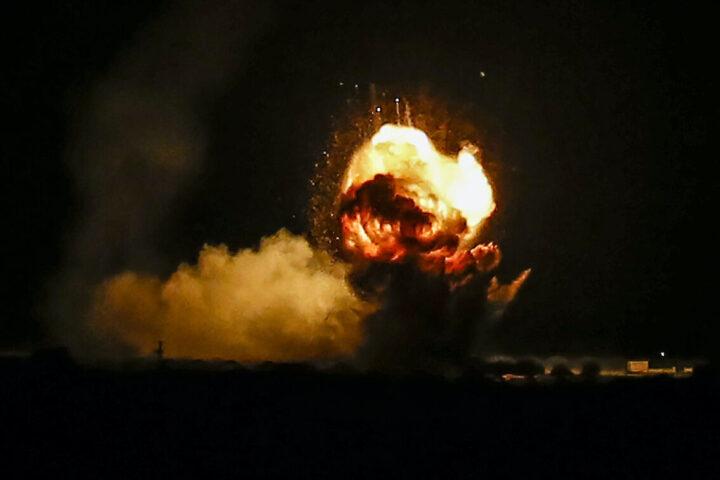 ИЗРАЕЛ СЕ ОБРУКАО: Њихов ПВО није могао да сруши совјетску ракету коју је лансирала Сирија (ВИДЕО)