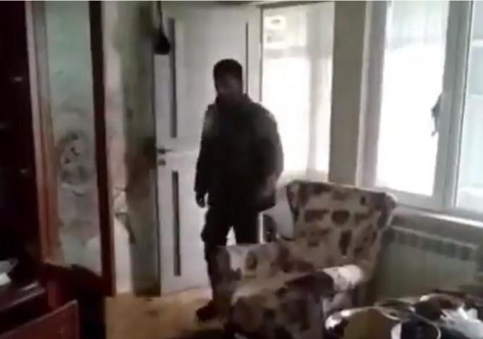 OVAKO AZER UPADA U JERMENSKI DOM: Jeza hvata šta radi, koliko mržnje i zla (VIDEO)