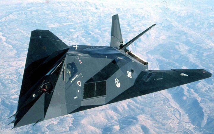 AMERIKANCI PRIZNALI: Još jedan F-117 pogođen nad Srbijom!