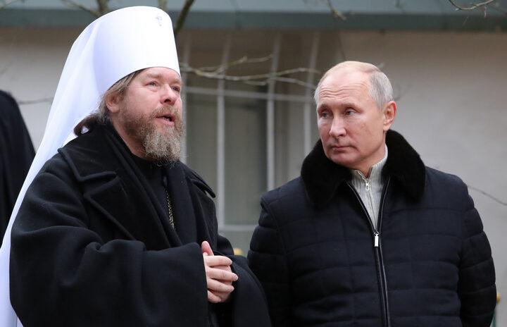 Ово су сви православци чекали! ПУТИНОВ ДУХОВНИК СЕ ОГЛАСИО У ВЕЗИ РУСКИХ ВАКЦИНА ПРОТИВ КОРОНЕ