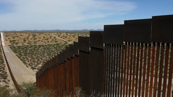 "BAJDEN STOPIRAO GRADNJU ""TRAMPOVOG ZIDA"" na granici sa Meksikom i otvorio vrata SAD muslimanima"