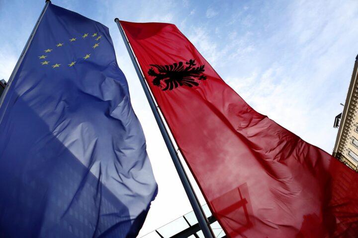 SPREMILI PLAN – Albancima dve i po države, a Srbi da se odreknu i jedne