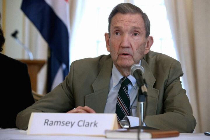 Preminuo Remzi Klark, protivnik NATO bombardovanja SRJ