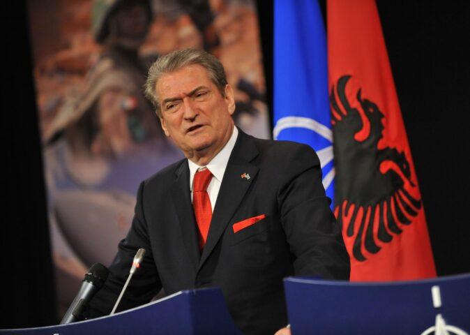 НОВА ЈЕЗИВА НАЈАВА ЗА БАЛКАН: Бивши премијер Албаније – Неизбежно уједињење са (тзв.) Косовом!