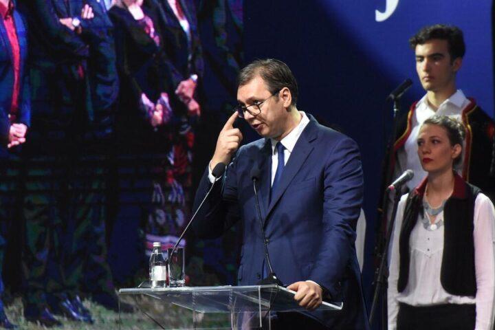 ВУЧИЋ: Је ли вам та Сребреница у Црној Гори? Што ударисте на виталне српске интересе?