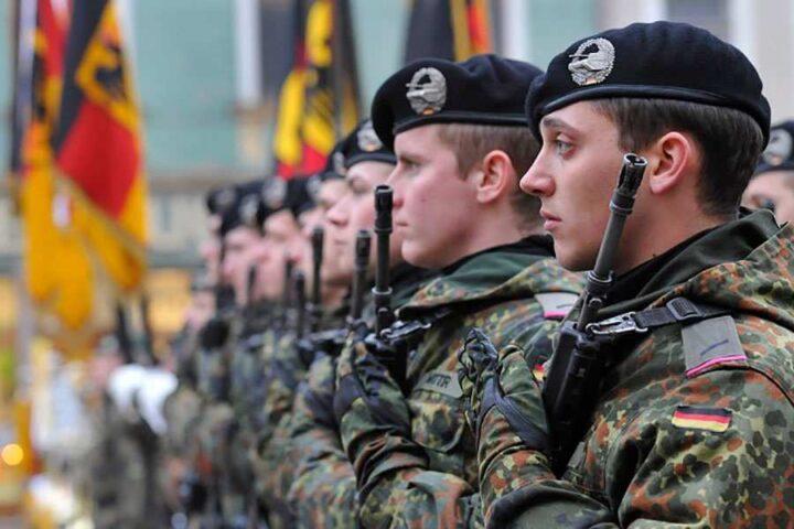 """НЕМАЧКИ ВОЈНИЦИ у Литванији певали """"серенаду Хитлеру"""" и силовали двојицу колега"""